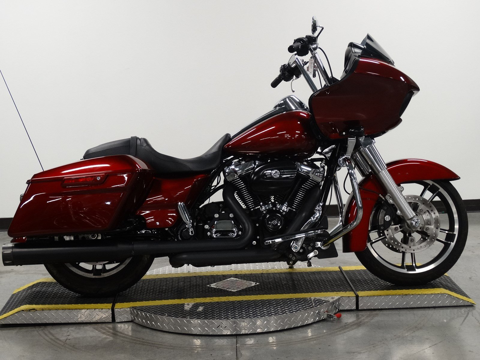 Pre-Owned 2017 Harley-Davidson Road Glide FLTRX Touring in Olathe