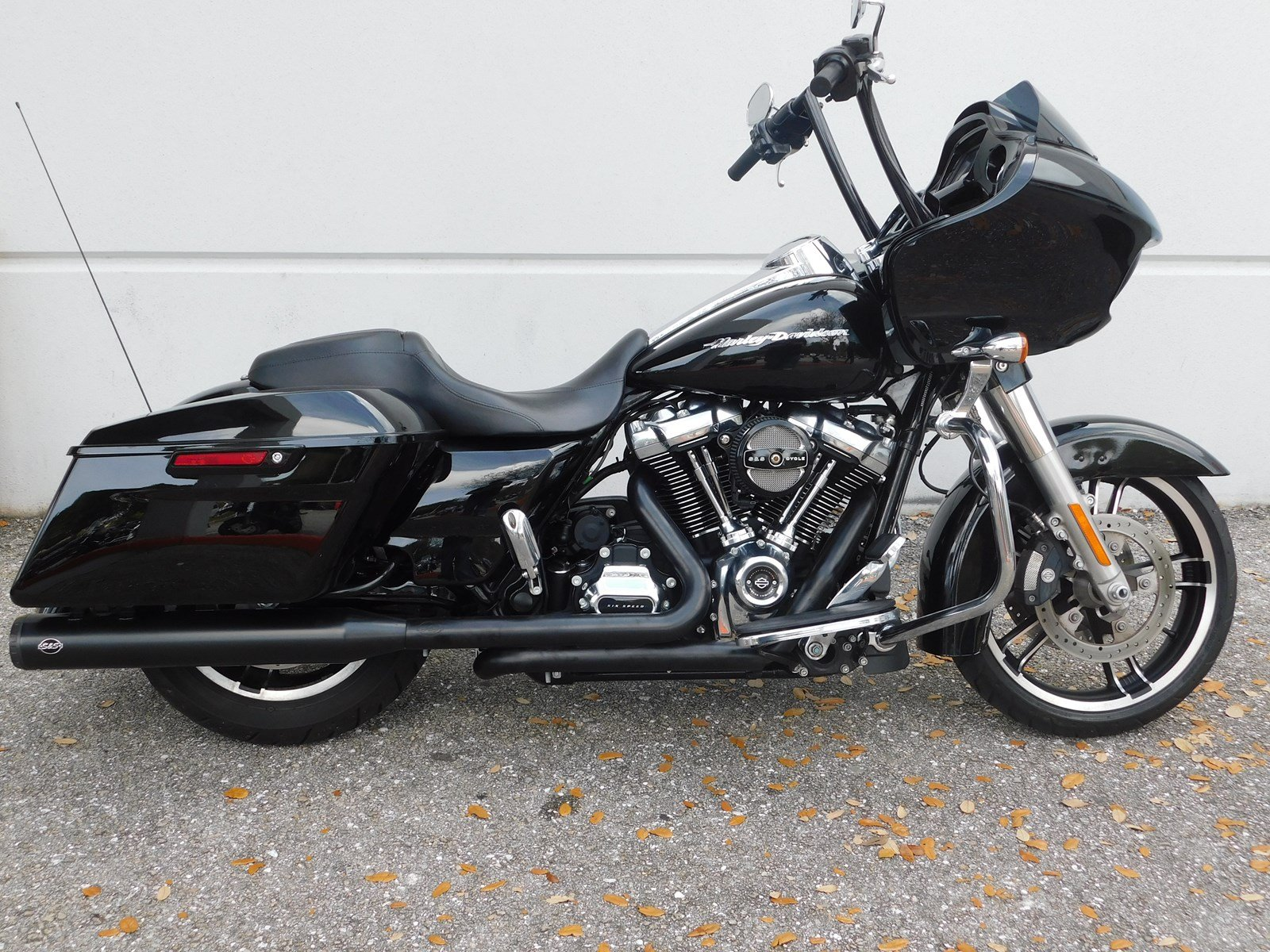 Pre Owned 2017 Harley Davidson Road Glide Special Fltrxs