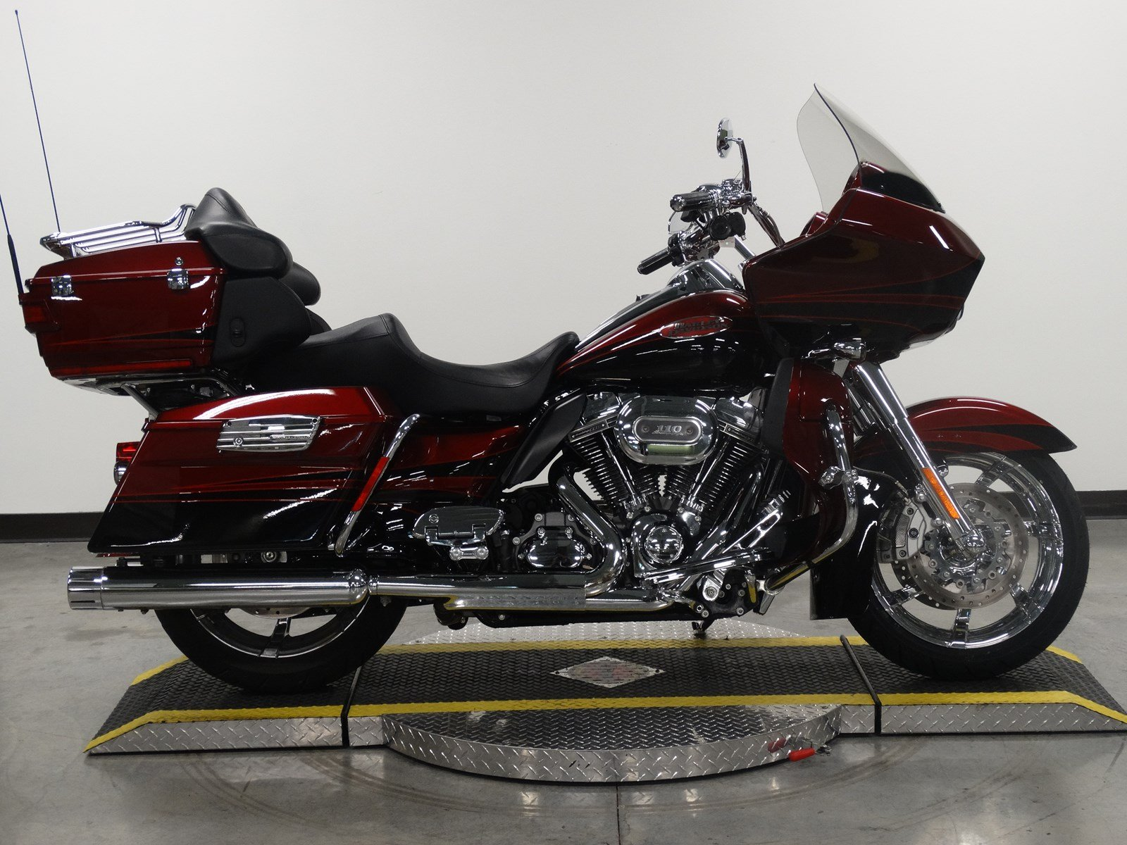 Pre-Owned 2011 Harley-Davidson Road Glide Ultra CVO FLTRUSE CVO/Touring