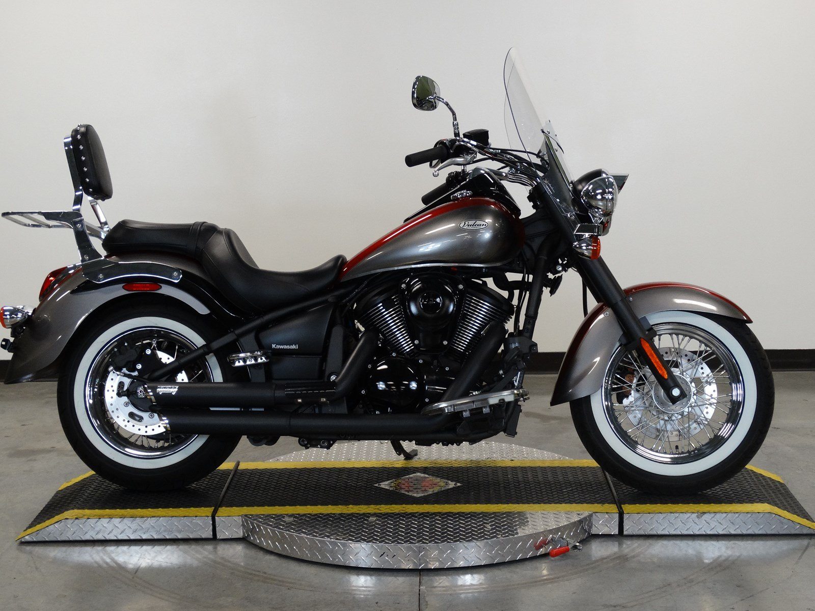 pre owned 2016 kawasaki vn 900 classic cruiser in olathe. Black Bedroom Furniture Sets. Home Design Ideas