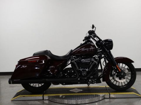 Pre-Owned 2017 Harley-Davidson Road King Special FLHRXS