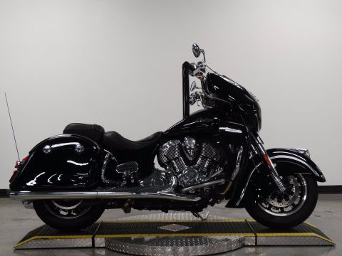 Pre-Owned 2017 Indian Road Master Classic Black