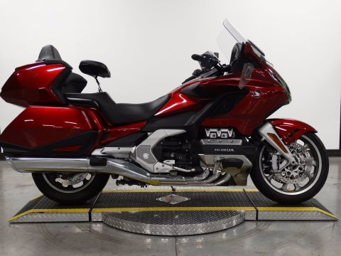 Pre-Owned 2018 Honda Goldwing Touring Red